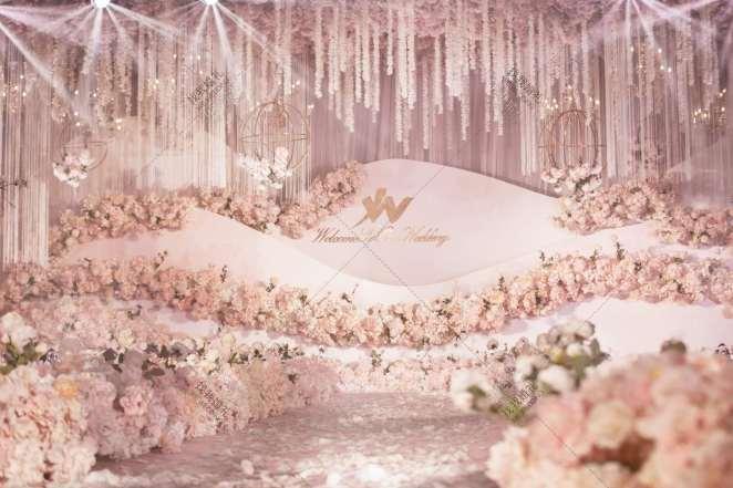 悦颜-粉室内大气婚礼照片