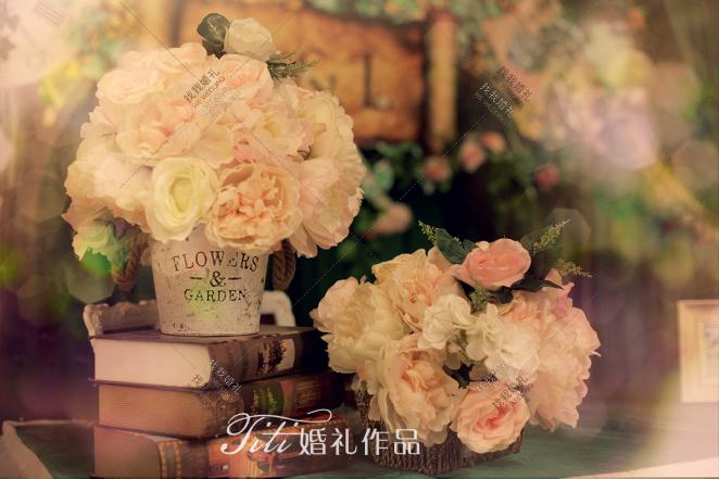 HL-绿室内西式婚礼照片