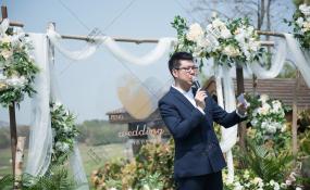 四川省成都市武侯区成都世纪城假日酒店(西楼)-《未来的故事》户外 | 轻快 | 温暖 | 生动自然婚礼图片