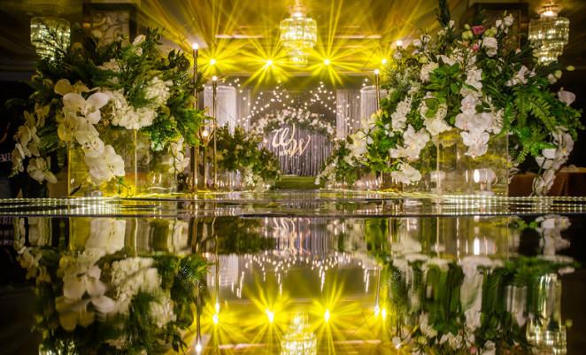 《漫花星梦》-绿室内唯美婚礼照片