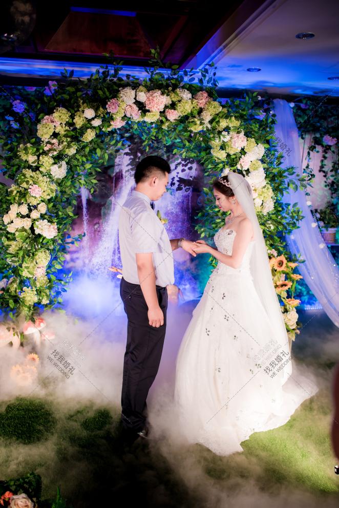 森系-白室内森系婚礼照片