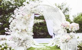 欢乐谷老房子水墨红户外草坪-【最忆是你】婚礼图片