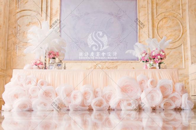 Heaven Love-红室内婚礼照片