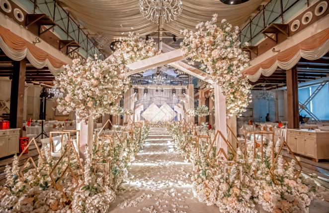 《倾城时光》-白室内梦幻婚礼照片