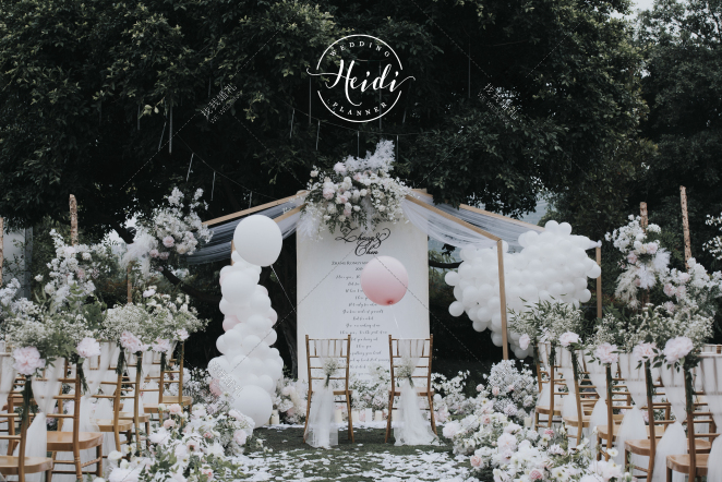 甜心-粉草坪唯美婚礼照片