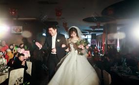 四川省成都市金牛区老房子·水墨红食府(欢乐谷店)-森林婚礼图片