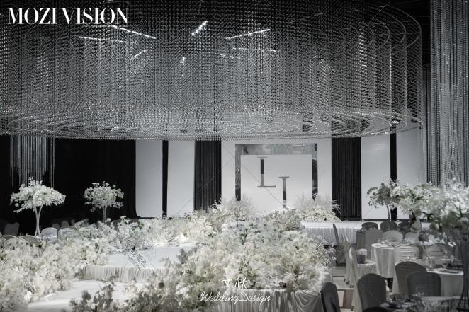 水晶殿堂-白室内大气婚礼照片