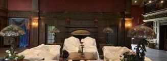为爱加冕-黄室内复古婚礼照片