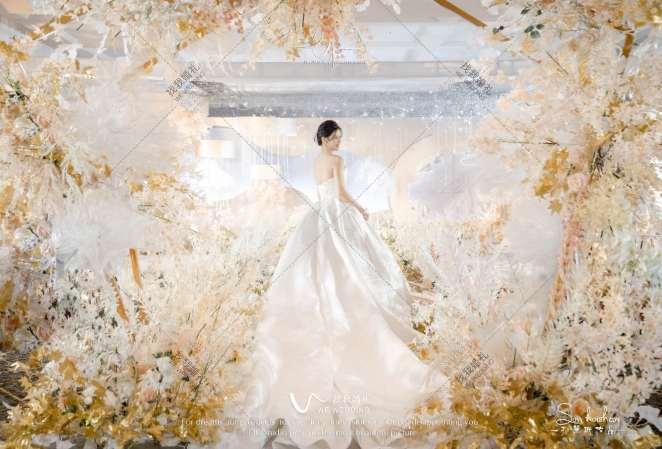 Z&C-黄室内韩式婚礼照片
