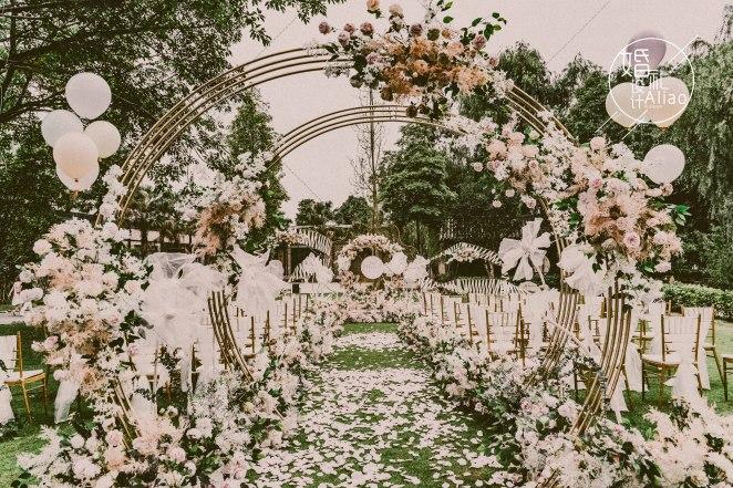 炙爱-粉户外梦幻婚礼照片