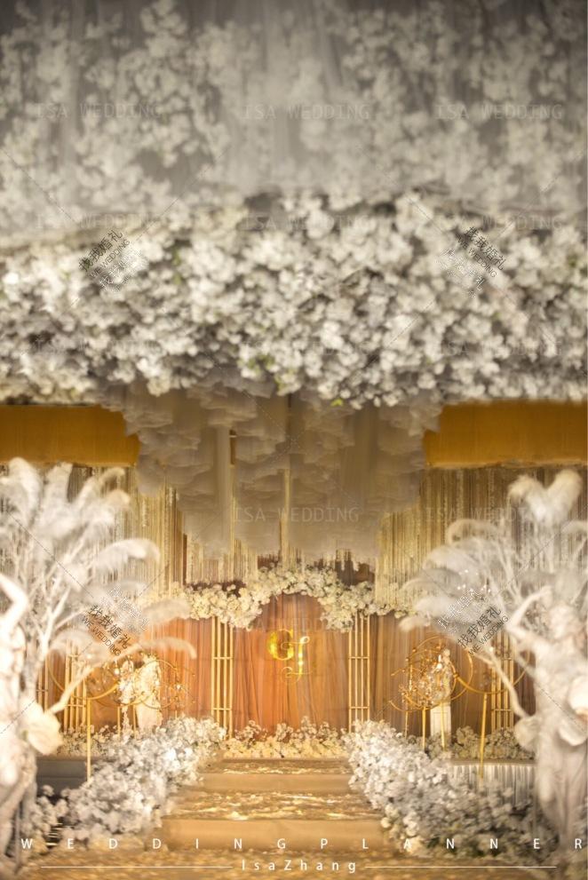 斜阳-黄室内唯美婚礼照片