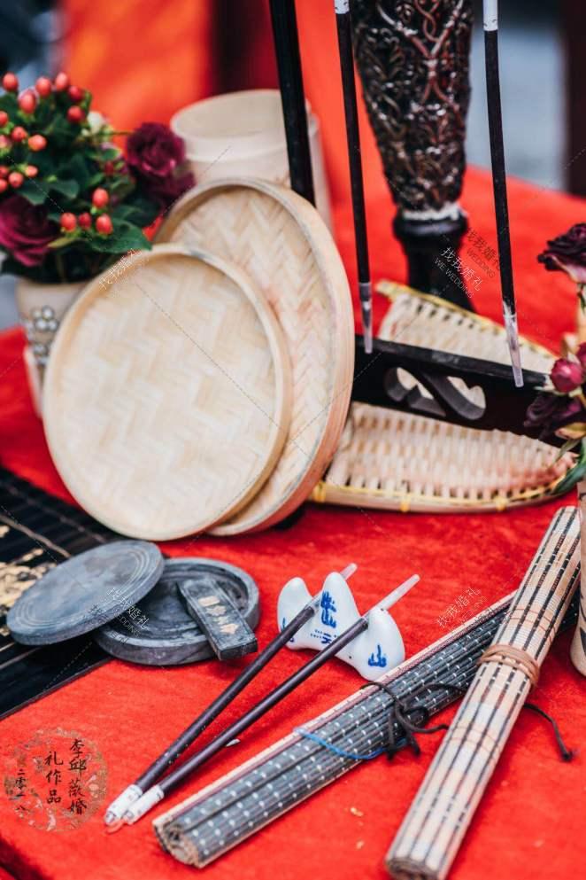 红色中式中国风室内婚礼案例效果图