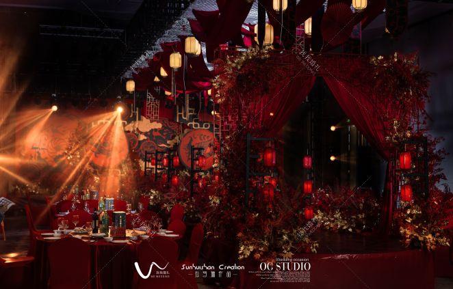 李刘联姻,天作之合-红室内主题婚礼照片