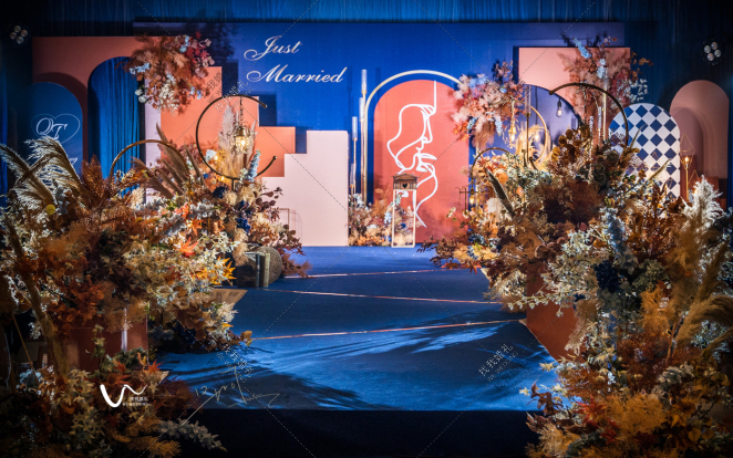 微光-蓝室内复古婚礼照片
