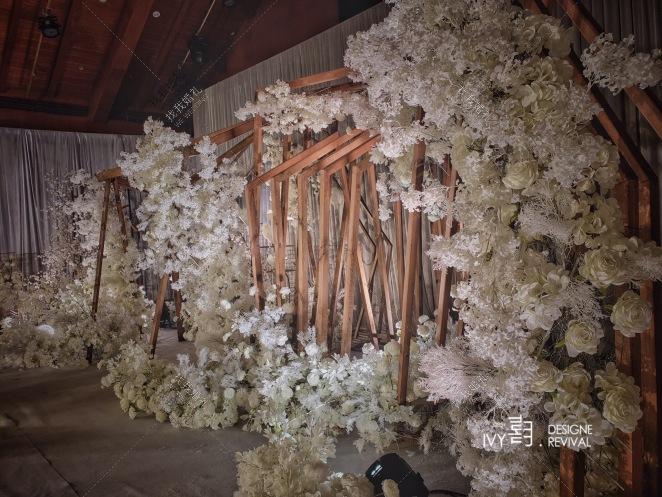 吉光片羽-灰室内主题婚礼照片