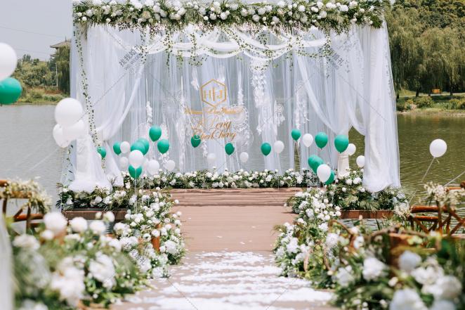 邂逅-绿户外简洁婚礼照片