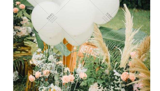爱你的模样-白草坪简洁婚礼照片