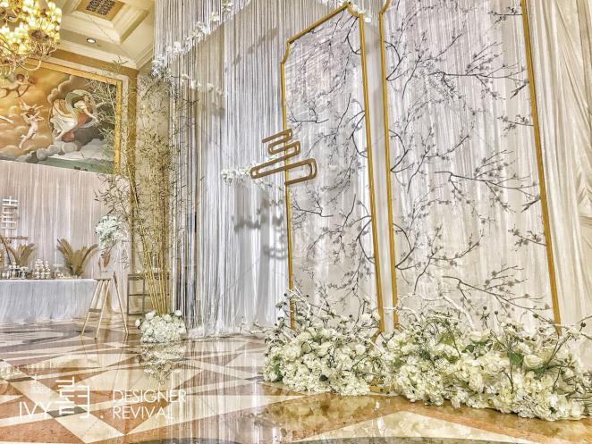 《浔》-白室内简洁婚礼照片