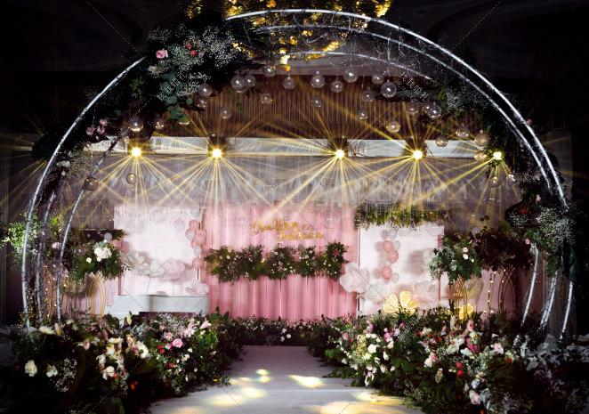 AYEEE(本场鲜花由新人提供)-粉室内韩式婚礼照片