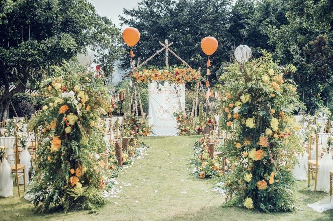Colorful -绿草坪小清新婚礼照片