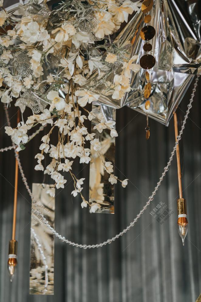 十年-灰室内西式婚礼照片