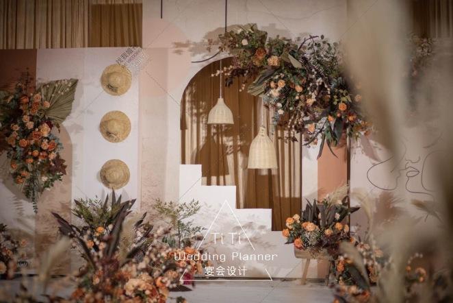 风止于秋水,我止于你-黄室内主题婚礼照片