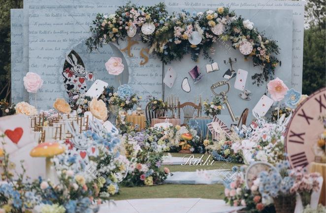 爱丽丝小姐与波特先生-蓝户外梦幻婚礼照片