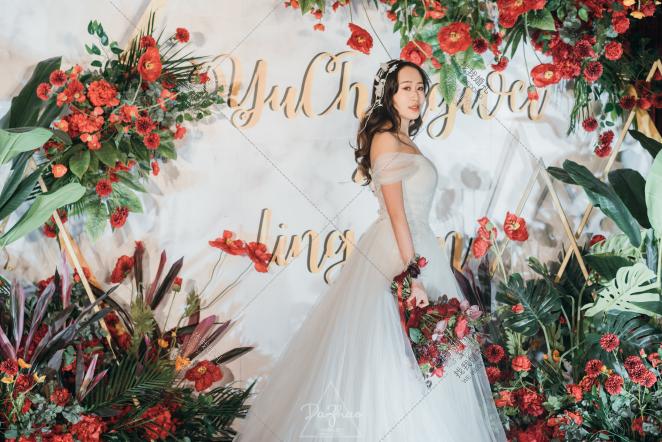 《13亿分之一的遇见》-绿室内复古婚礼照片