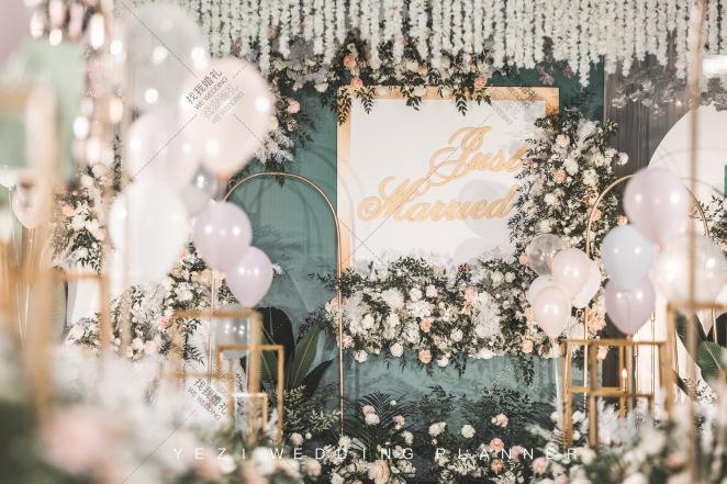 最好的我们-白室内小清新婚礼照片