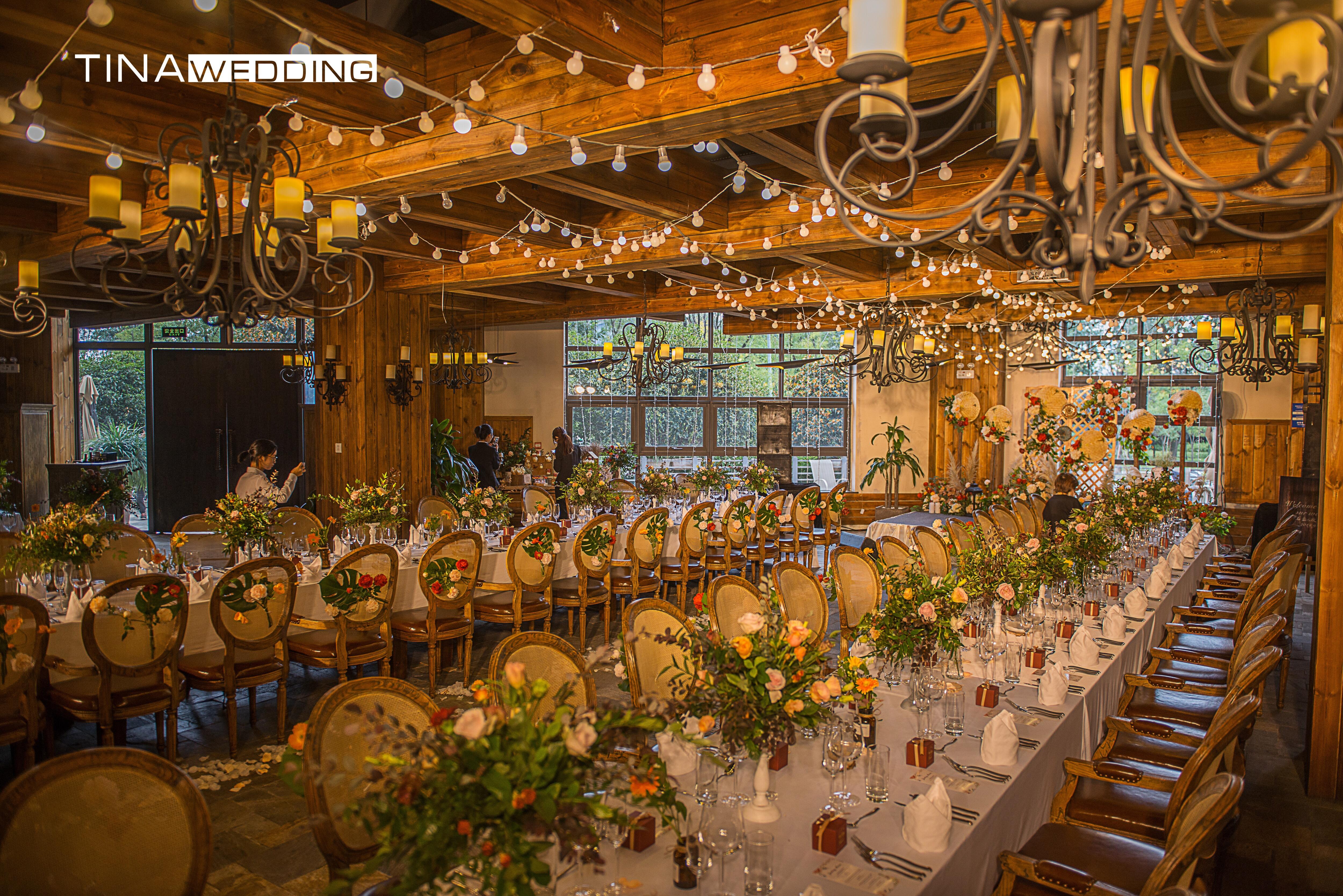 秋天的童话婚礼图片