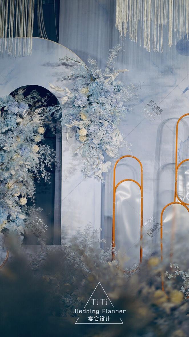 我想和你虚度时光-蓝室内大气婚礼照片