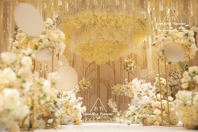 初心-白室内大气婚礼照片
