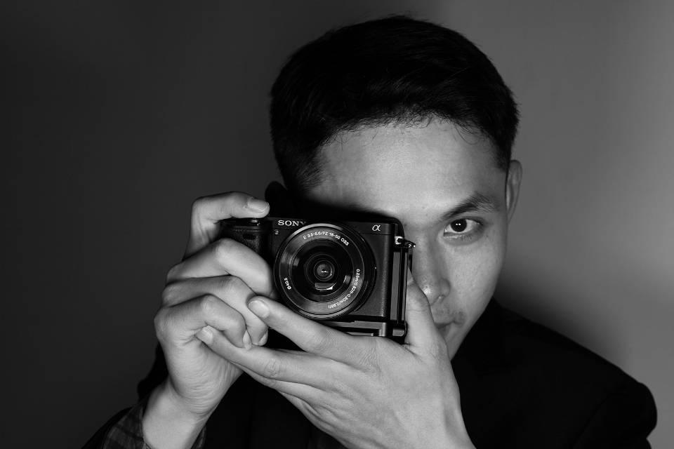 摄像师-李画