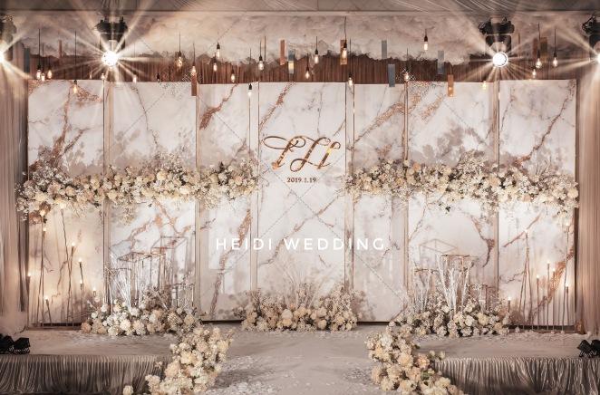 Wind-黄室内唯美婚礼照片