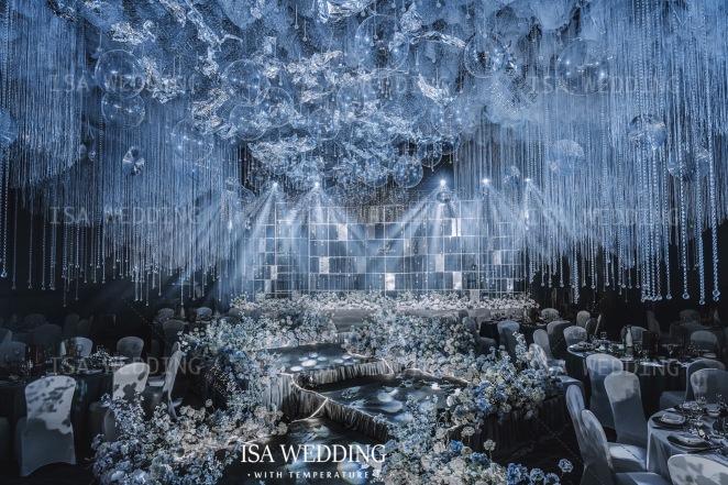 海浪的声音-黄室内简洁婚礼照片