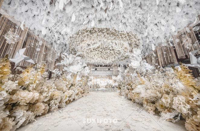 愿-黄室内大气婚礼照片