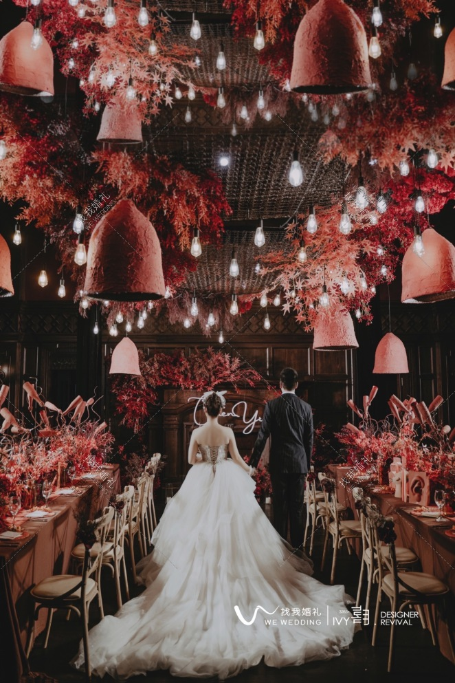 有你皆可-橙黄室内复古婚礼照片