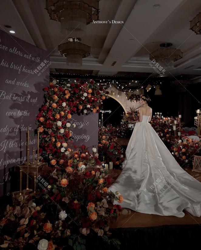 夜上海假日 · Old Shanghai Holiday-黄室内大气婚礼照片