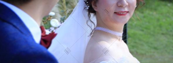 老房子·水墨红食府(欢乐谷店)-户外草坪婚礼图片