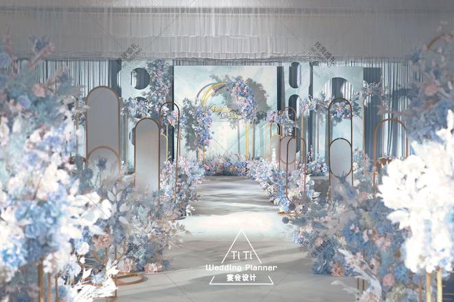 水彩晨光-蓝室内梦幻婚礼照片