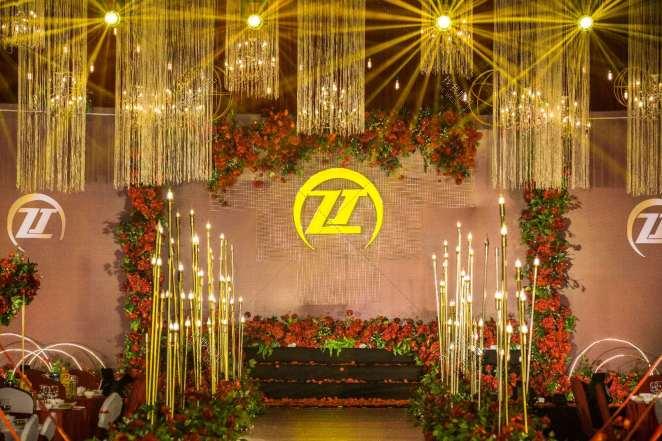 最美的期待-黑室内主题婚礼照片