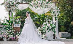 金堂蓝光观岭国际高尔夫会所-餐厅-户外高尔夫草坪婚礼婚礼图片
